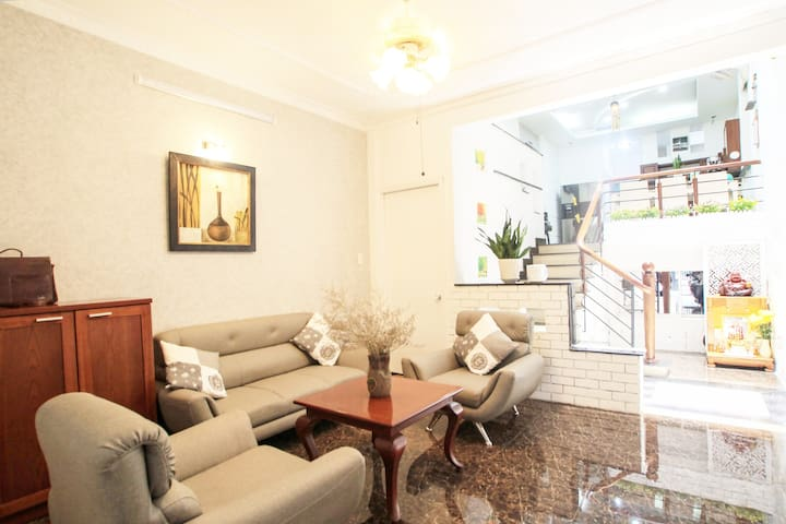 Nice house Near Airport, LotteMart . Cozy Apt L1