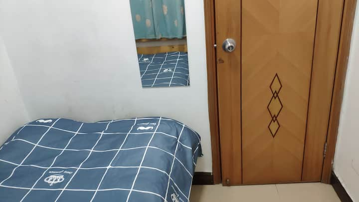 Sheung Wan room Available ( SW17D )