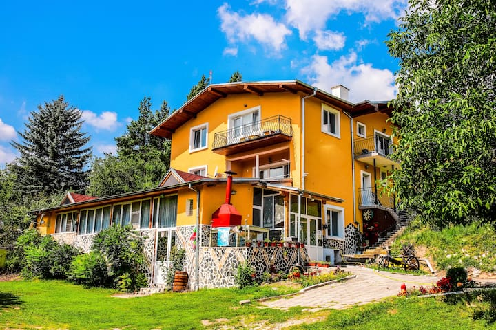 Amazing Mountain View Villa in Velingrad