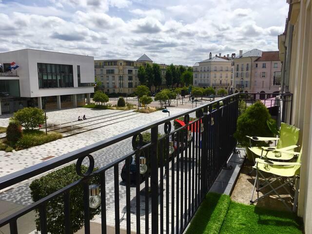 Studio avec balcon à 5min de Disney / Val d'Europe