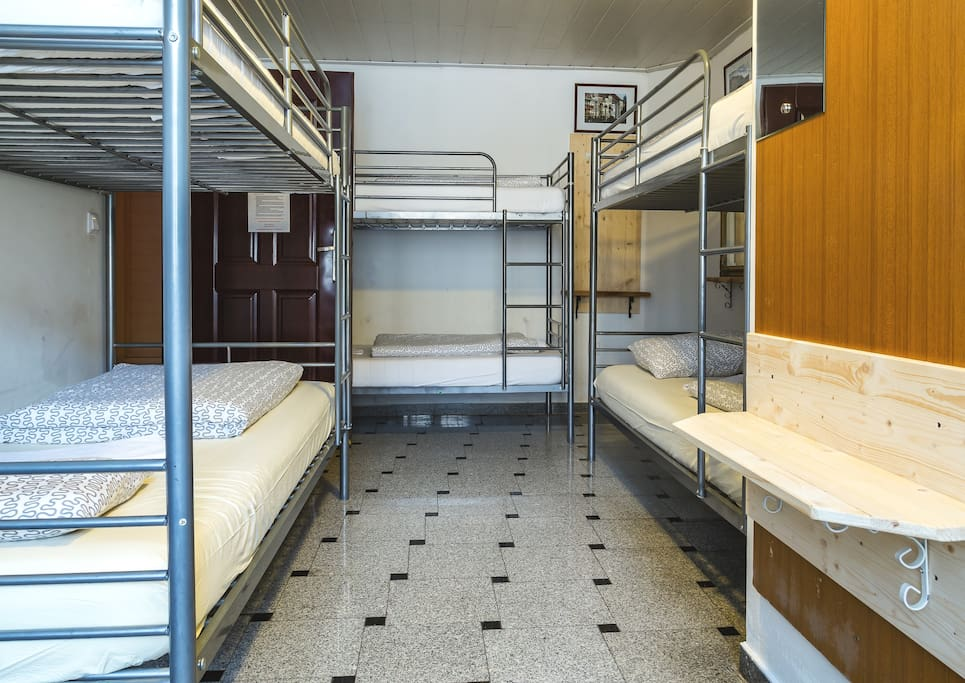 6-dorm bedroom offers you a private bathroom and other commoditites.