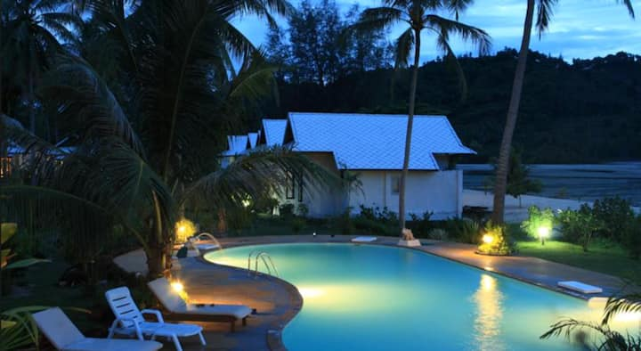 1 Bedroom Beach Front Villa Phangka