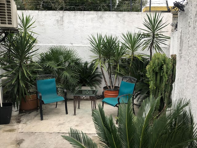 CENTRIC LOFT WITH PATIO TEC  MTY
