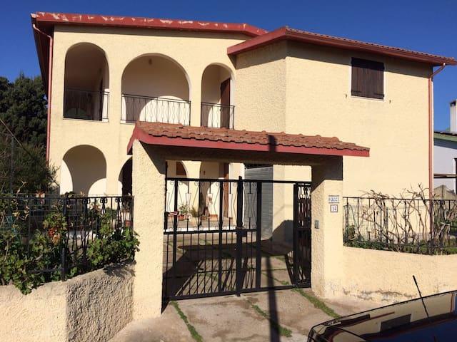 Appartamento in Villa a Frutti D'oro (Capoterra) - La Maddalena - Apartemen