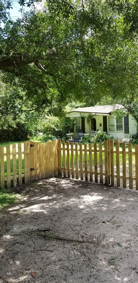 Downtown Orlando COTTAGE all to yourself