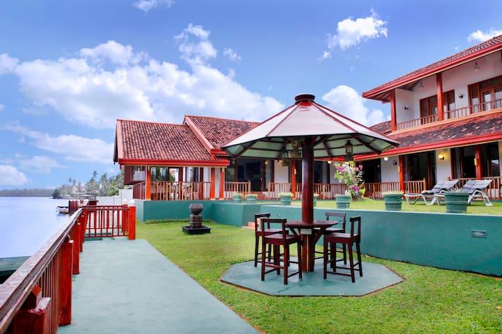 Villa by Ayesha - Aluthgama