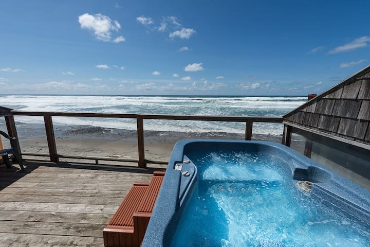 OCT SPECIAL!! Studio&Private Hot Tub, OnSite Beach