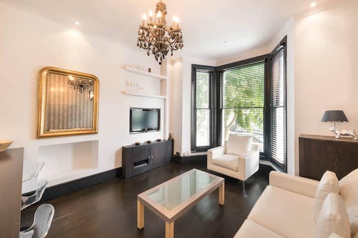 £3 Million 2BR Kensington Palace Residence ★★★★★