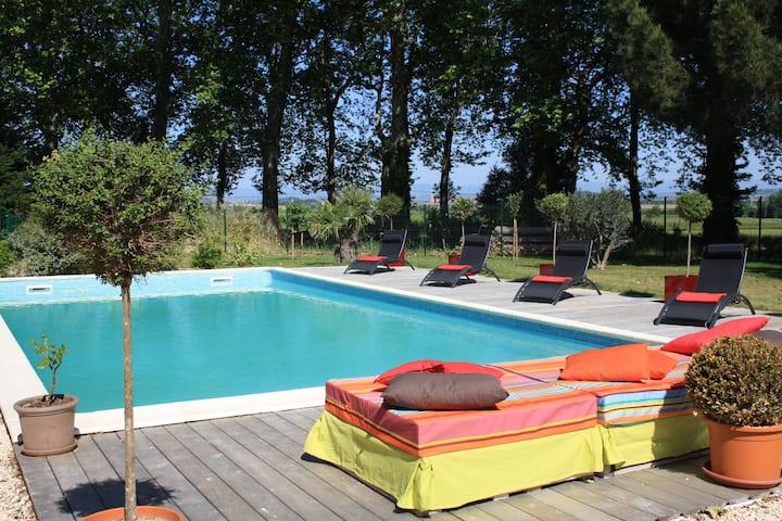 Studio  avec terrasse au bord du Canal du Midi