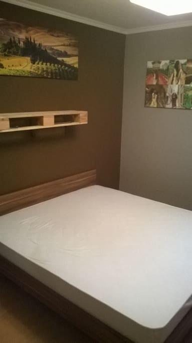 Hálószoba 2személyes ágy wifi tv