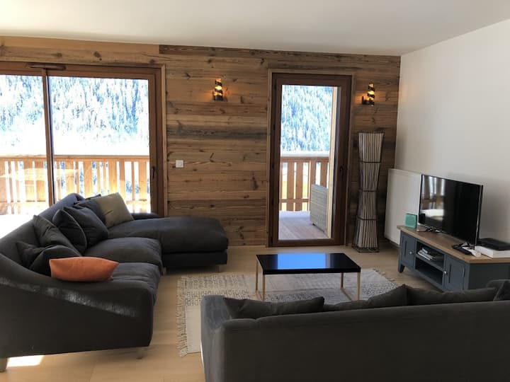 Les Loges Blanches B202 - 3 bed room plus coin in the centre of Chatel.