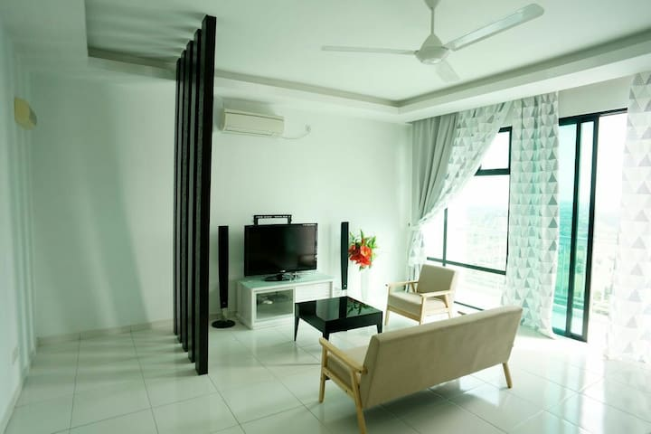 2 Bedrooms The Sky Homestay @ Bukit Indah/Legoland - Bukit Indah - Huoneisto