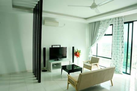 2 Bedrooms The Sky Homestay @ Bukit Indah/Legoland - Bukit Indah