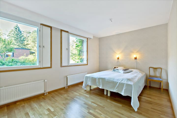 Room in semi-detached house in Raisio - Raisio - Casa