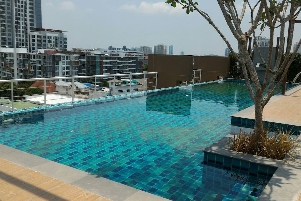 Enjoy the swimming pool on the rooftop. the view at night is stunning.