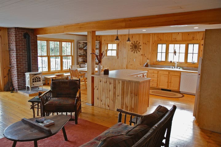 Adirondack Style Apartment on Lake Champlain