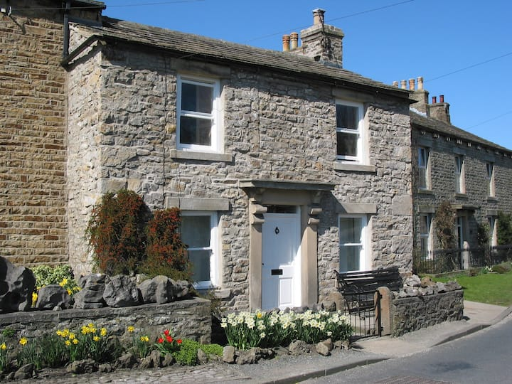 Fernlea, lovely stone Dales cottage