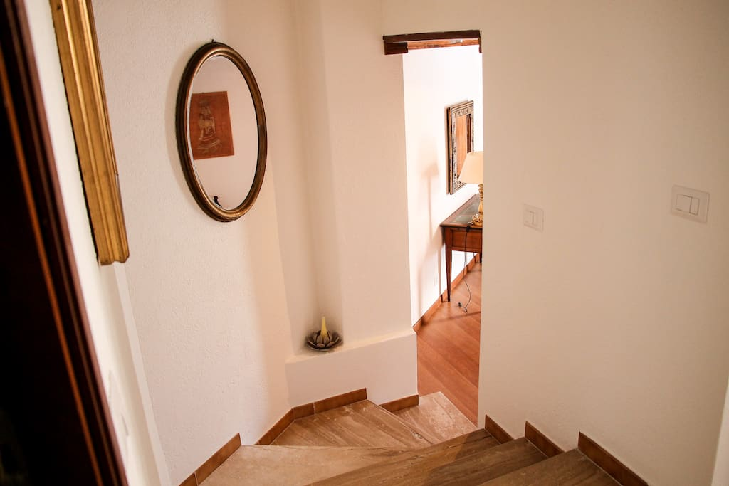 Private entrance to Living area access