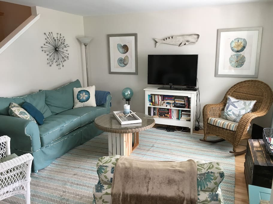 Cozy, comfortable living area with TV, Netflix, And DVD player