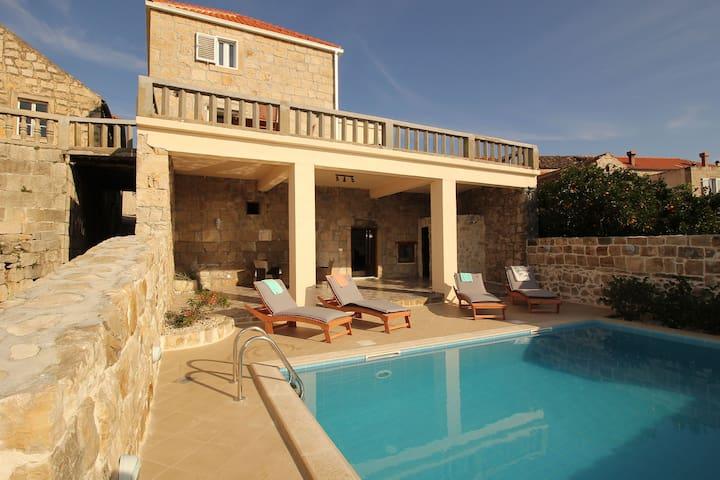 Villa Bellezza rustic oasis near Dubrovnik