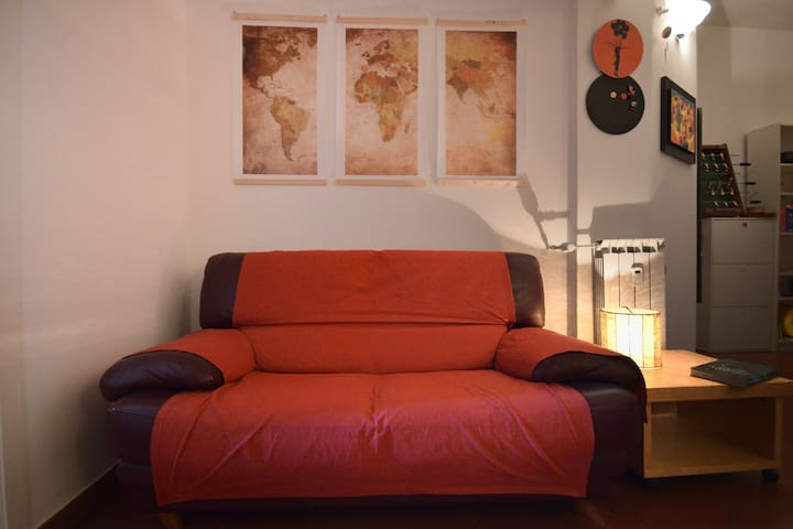 The Couch, World Map, New Zealand is Missing :(
