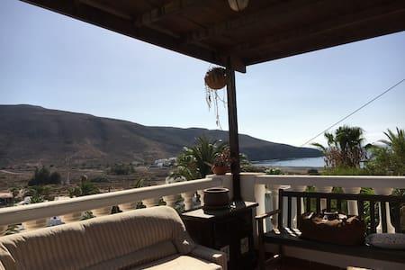 Casa con vistas al mar, a 100m de la playa - Tuineje