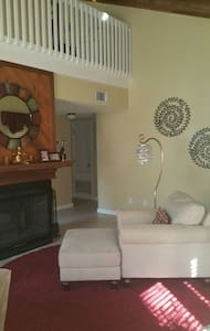 Cozy Room close to Attractions - Longwood