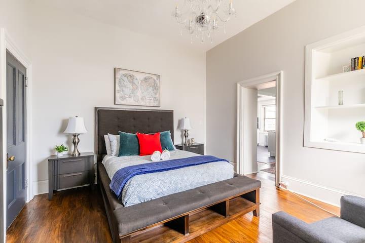 Stunning 1BR - Boutique Apartment - PRIME Location!