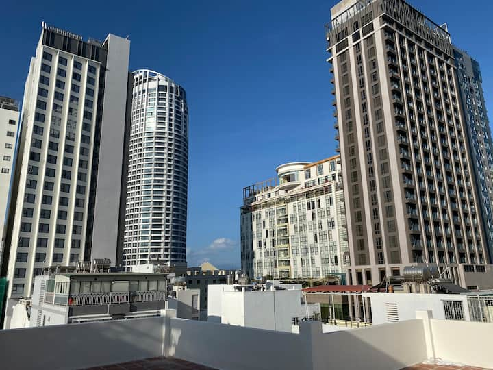Home 202, 1 bedroom, the city center,near sea