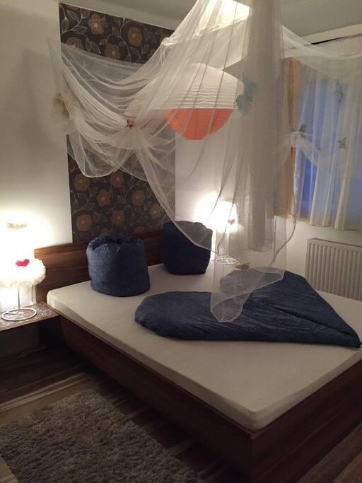 Baldachinos hálószoba 1