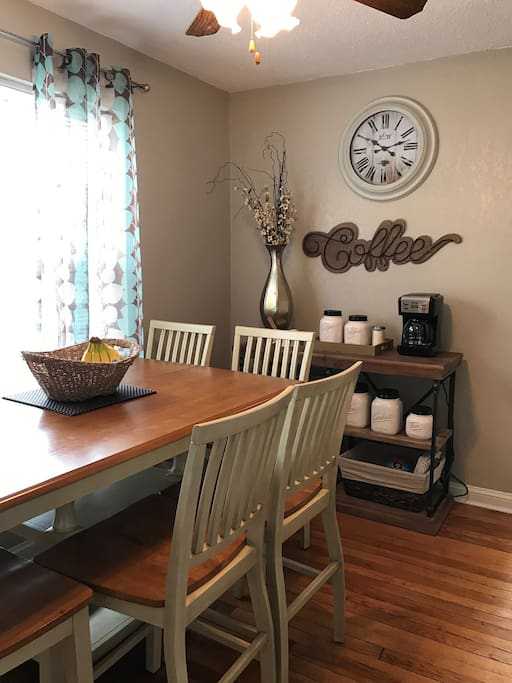 Eat in kitchen and Coffee Bar