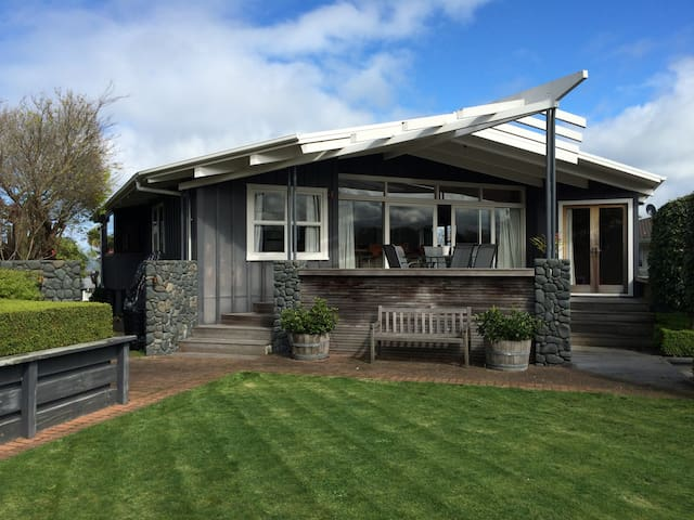 Spacious and self contained downstairs - Taupo - Other