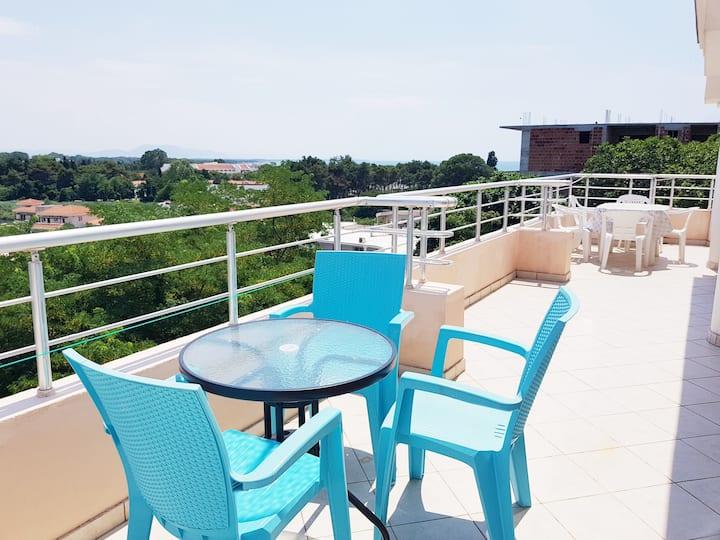 Triple studio with frontal terrace - Long beach