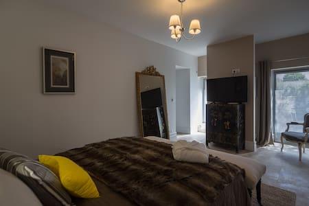 Suite Bord'Eau Clos Réaud de la Citadelle - Blaye - Gästehaus