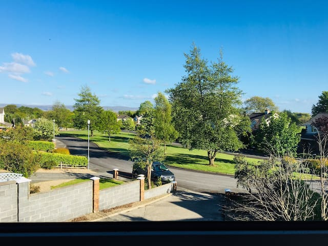 Fabulous house perfect location to Town/River Moy