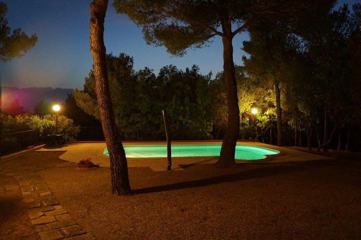 Villa Nibbiaia con piscina