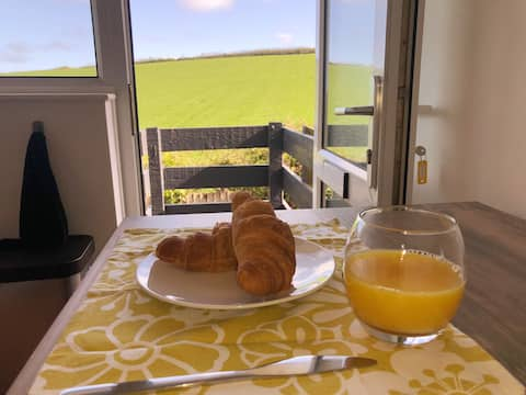 The Combe - coast and country getaway