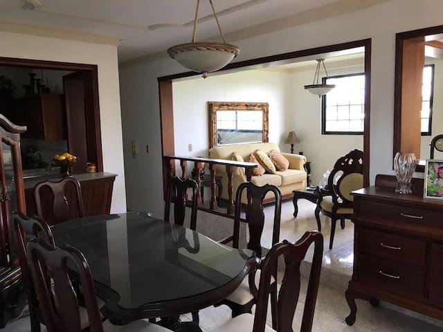 For rent ( furnished apartment)/apto amueblado