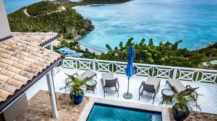 Villa Zusammen - Newly Renovated -  24/7 Concierge
