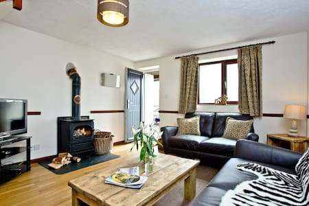 Cranny Cottage, East Thorne, Bude