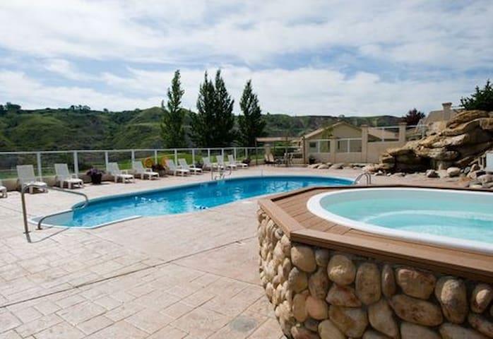 Villas at Paradise Canyon Golf Resort!!
