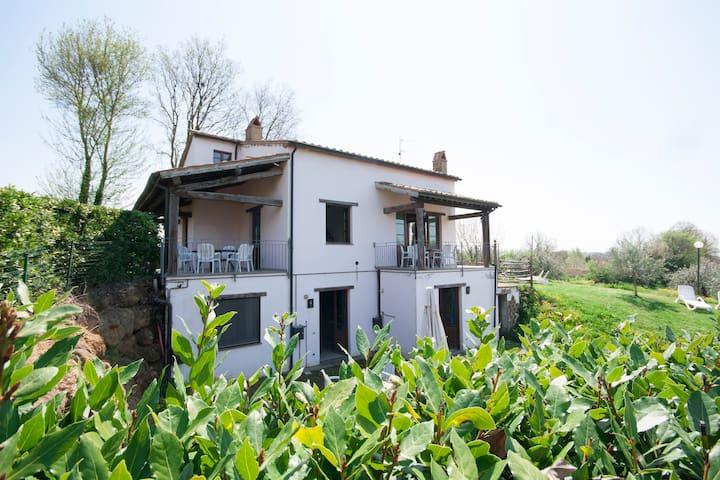 Appartamento Bilocale con piscina - Sorano - Apartment