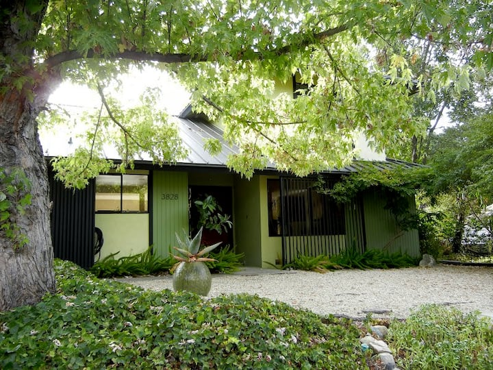 The Peace Pad - Altadena Mountain-Foothills Home