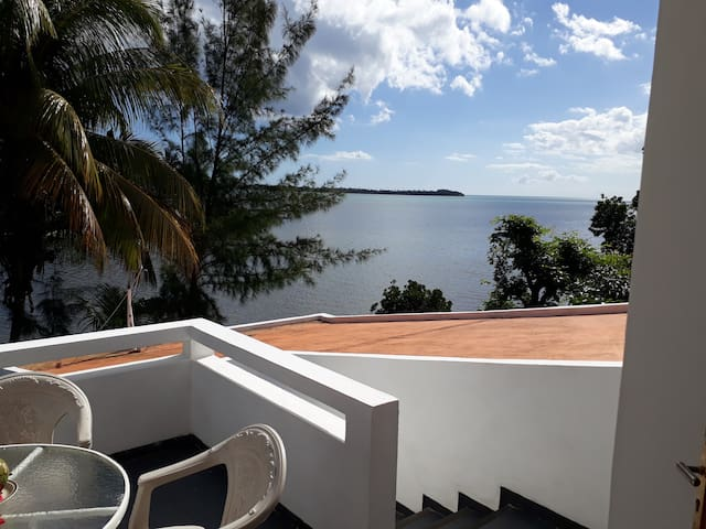 Barachois Appartment with Benitier Island View