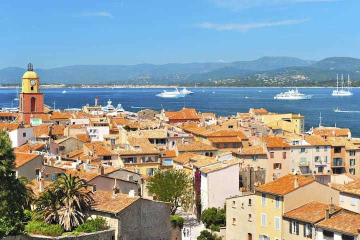 Discover French Riviera with a large catamaran - Saint-Tropez - Barco