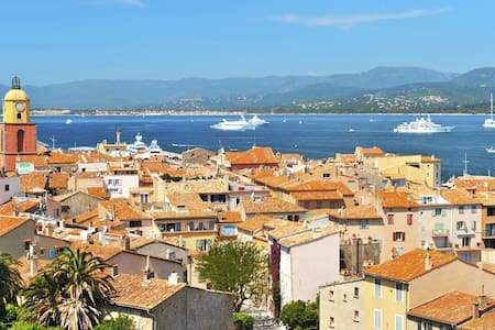 Discover French Riviera with a large catamaran - Saint-Tropez - Bateau