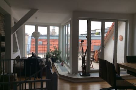 Прекрасная Квартира с выходом на крышу - Glienicke/Nordbahn - Servicelägenhet