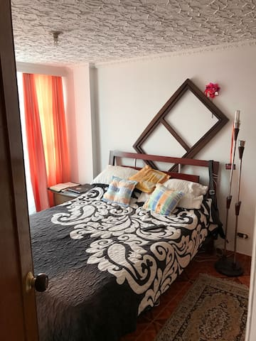 Habitación, cómoda, baño privado WF - Zipaquirá