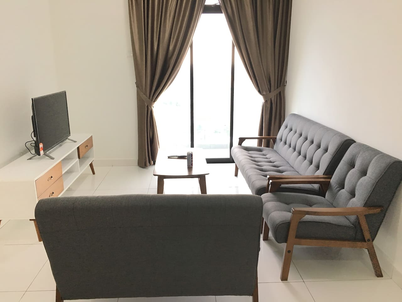 Living room with comfortable chairs at 22nd floor