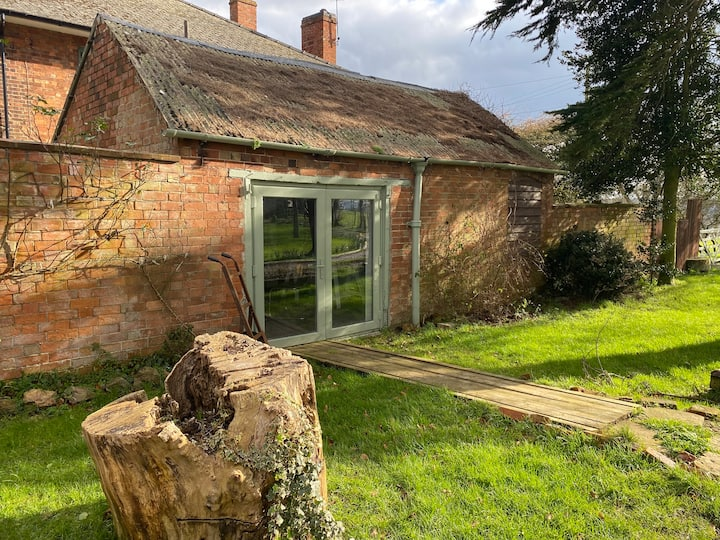 The Wash House - self-contained & peaceful
